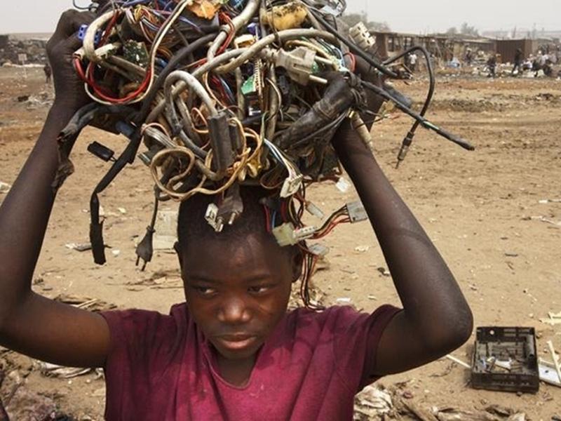 Kategori İçin Resim Elektronik Atık Çöplüğü Afrika!